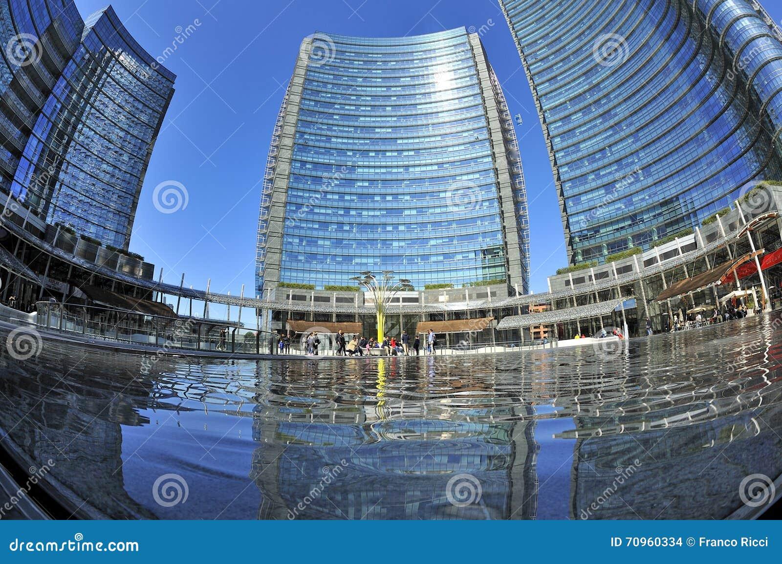 Milano italia nuovi grattacieli di porta nuova in gael for I nuovi grattacieli di milano