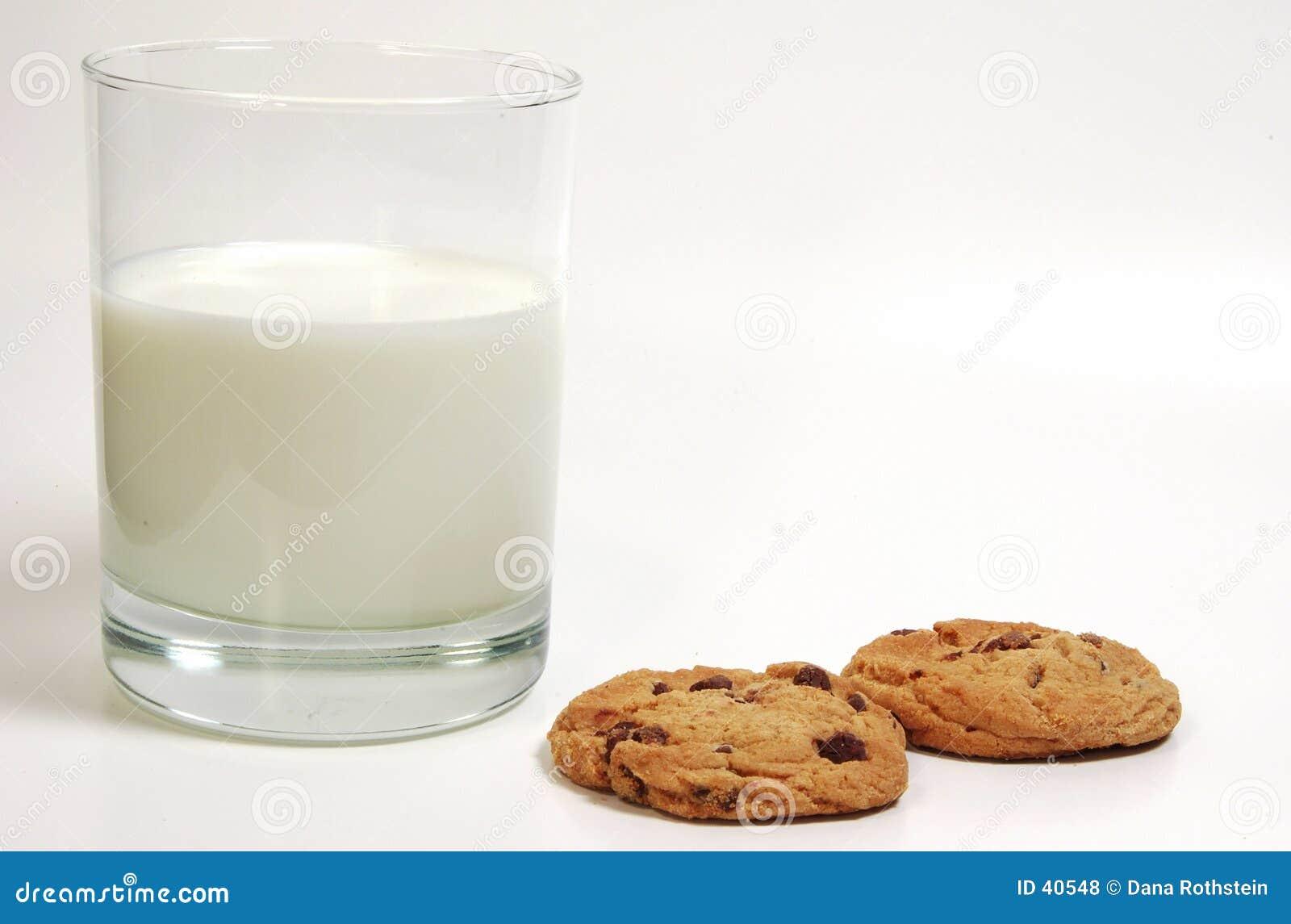 Milch und Plätzchen
