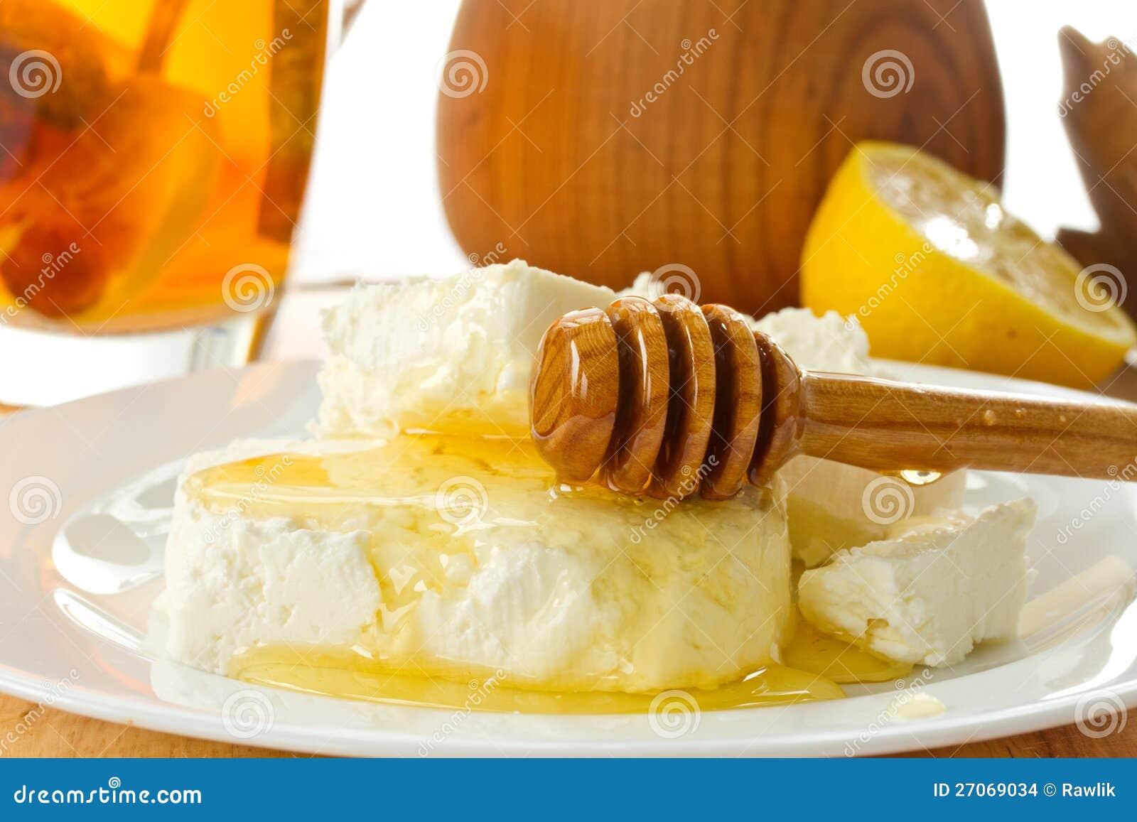MilchHüttenkäse mit Honig