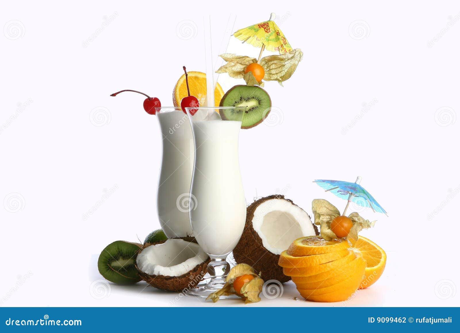 Milchshakecocktail und -nachtisch chery
