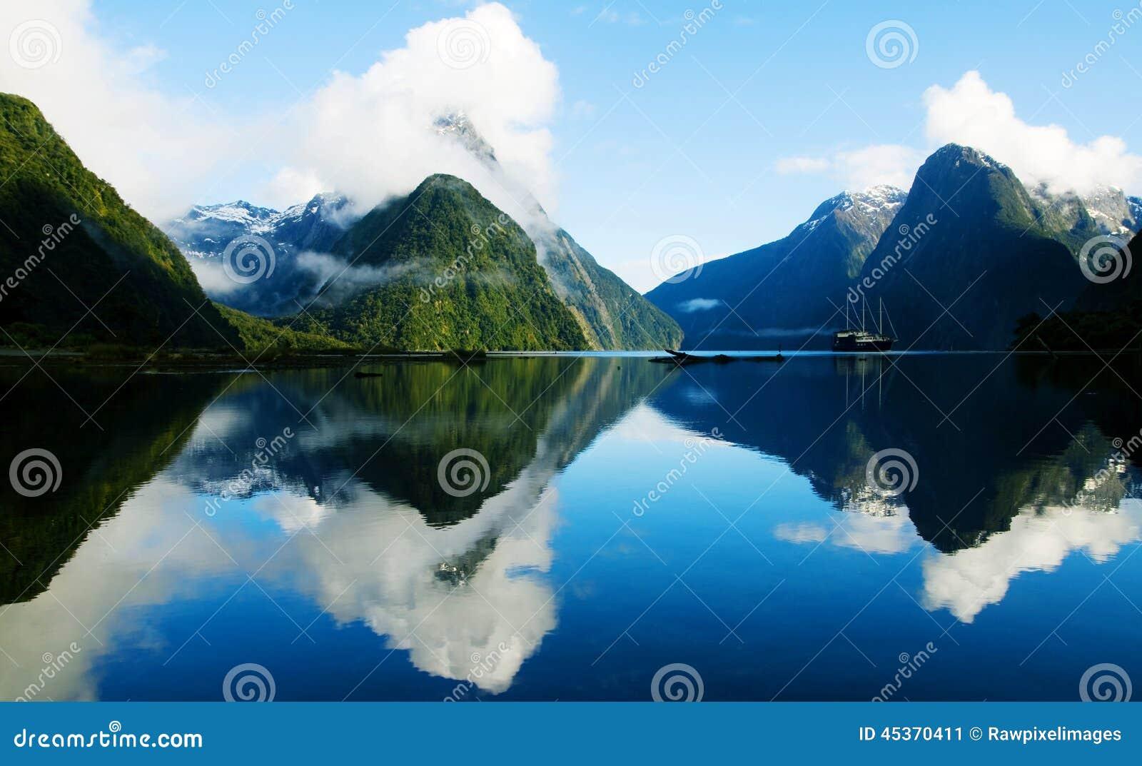 Milford Sound, Fiordland, Новая Зеландия