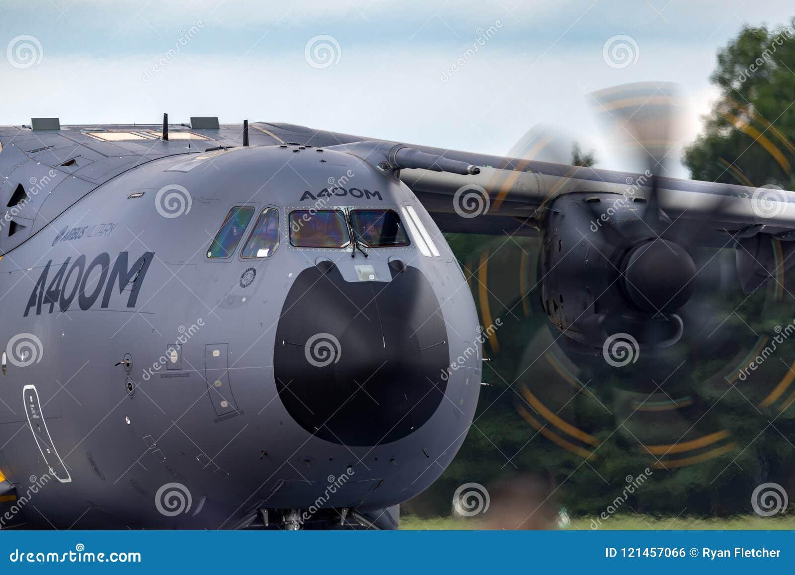 Militär-Airbus Verteidigung und Raum A400M Atlas Airbusses vier betriebenes großes Militär transportieren Flugzeuge F-WWMZ