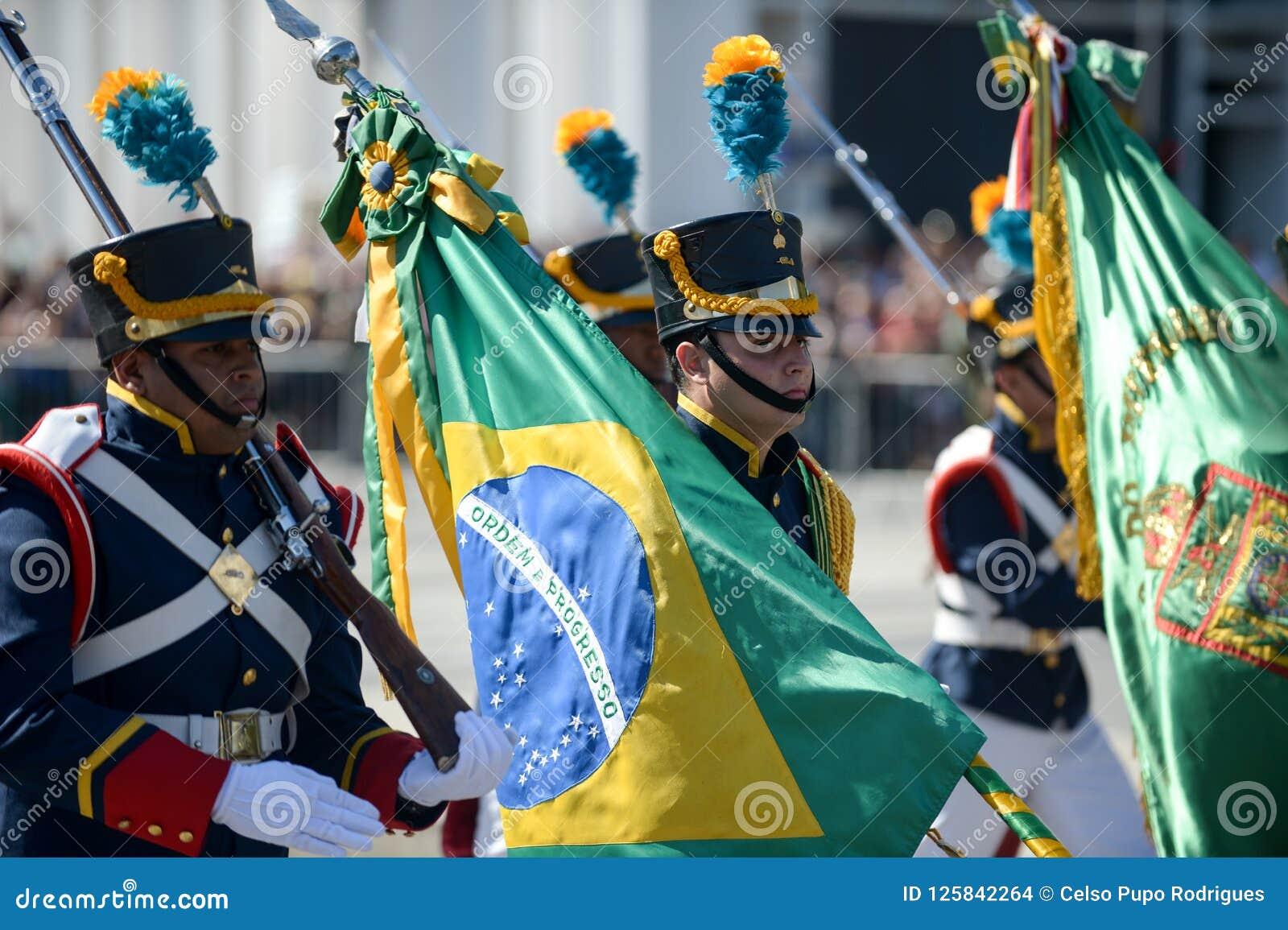 Militaire burgerparade die de onafhankelijkheid van Brazilië vieren