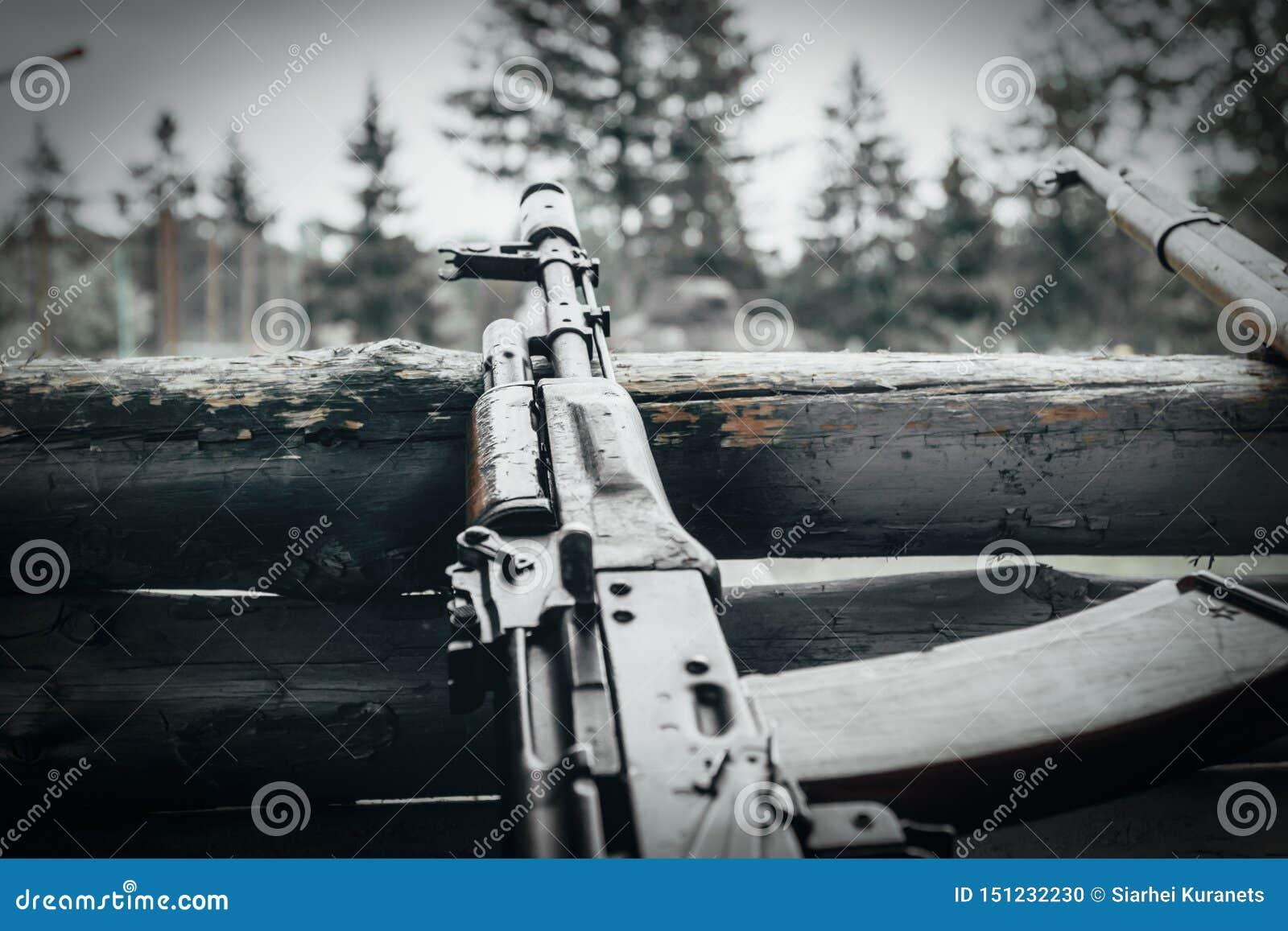Militaire opleiding het wapen is bij klaar machinegeweren, geweren, en machinegeweren alle verschillende era s