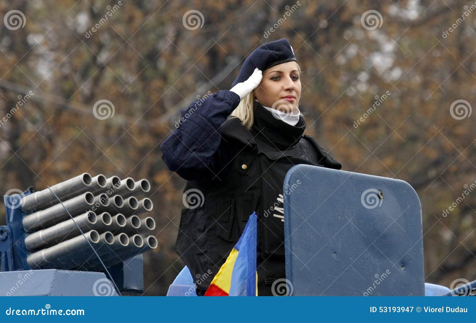 Militaire vrouw in de legerkrachten