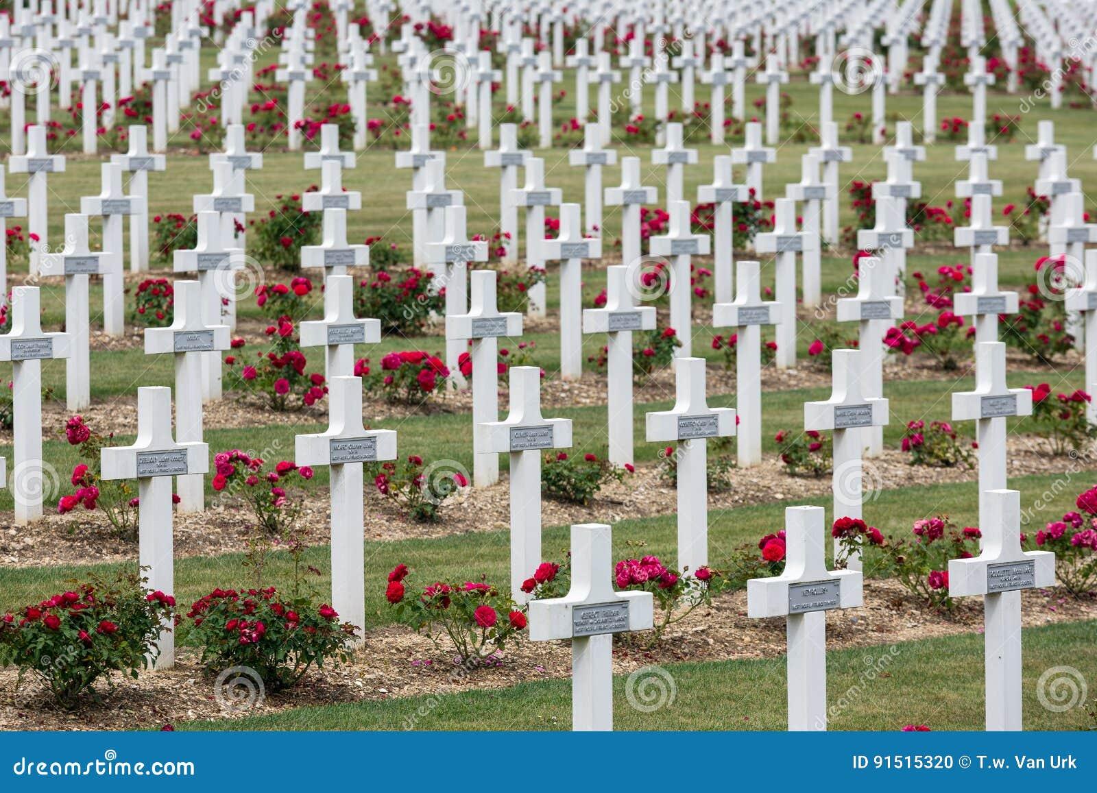 Militairen van de begraafplaats stierven de Eerste Wereldoorlog bij Slag van Verdun, Fran