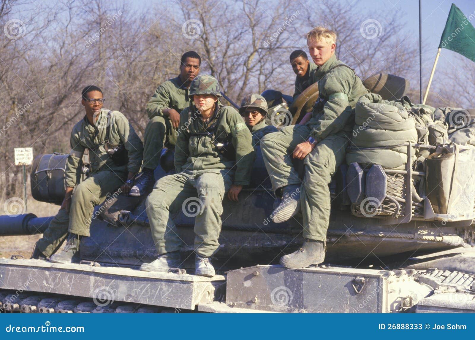 Militairen van de Korpsen van de Tank van het Leger van de V.S.