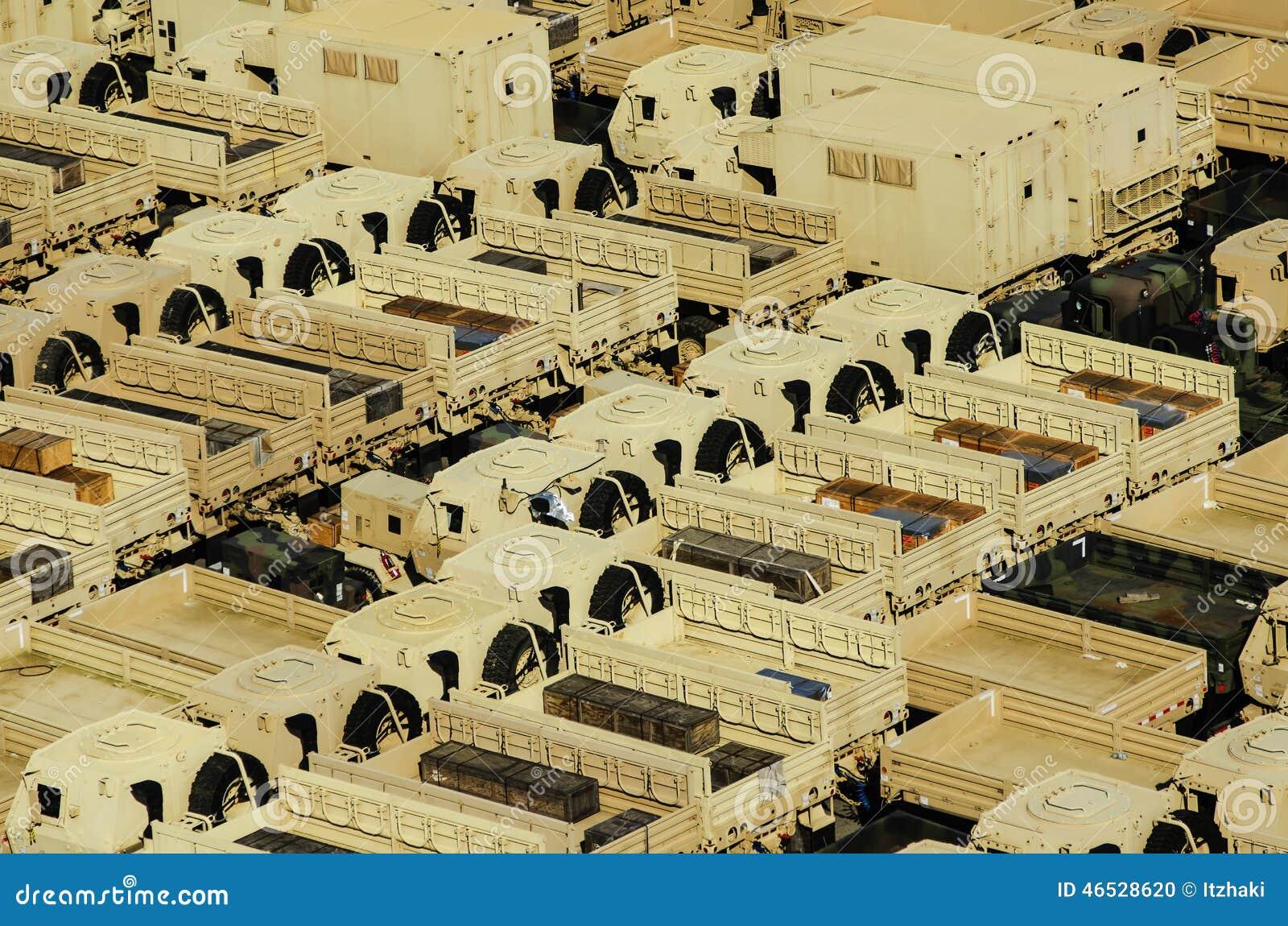 Militarne transport ciężarówki
