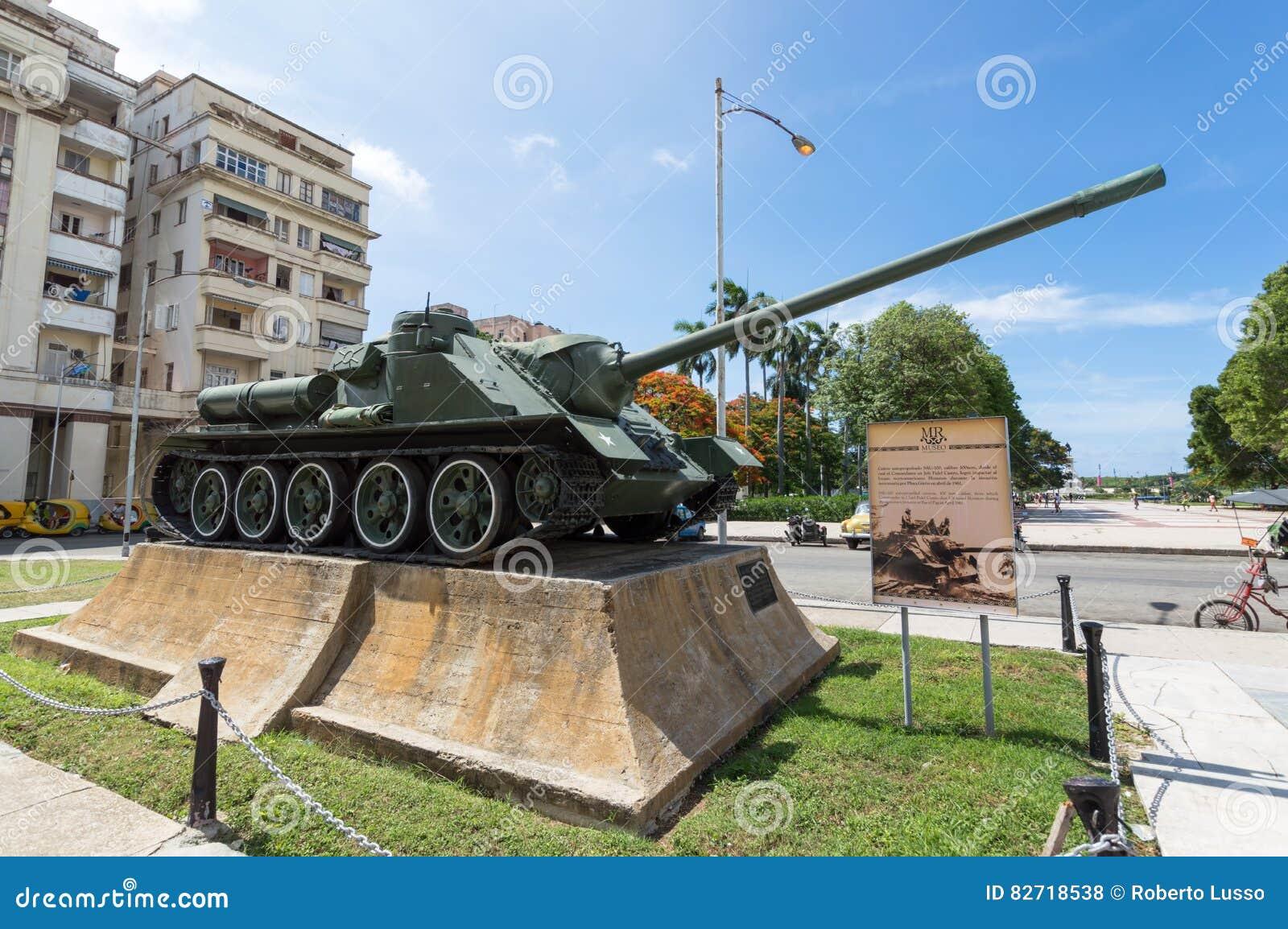 Militarny zbiornik przy rewoluci muzeum w Hawańskim