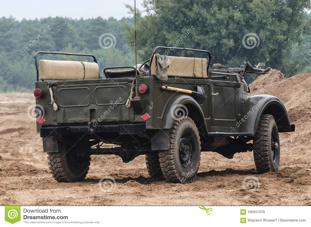 MILITARY OFF-ROAD VEHICLE
