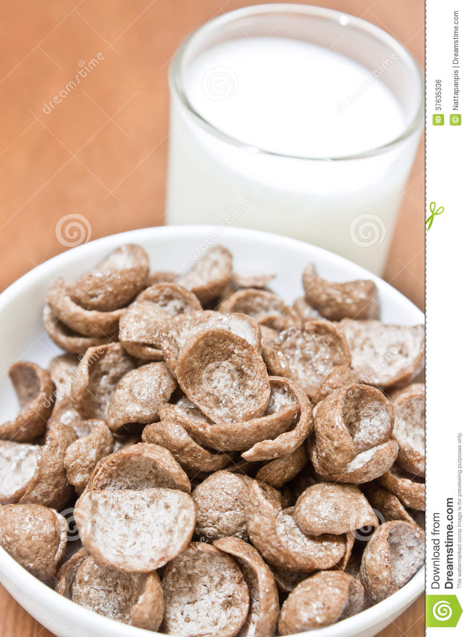 Milk And Cereal Royalty Free Stock Image - Image: 37635336