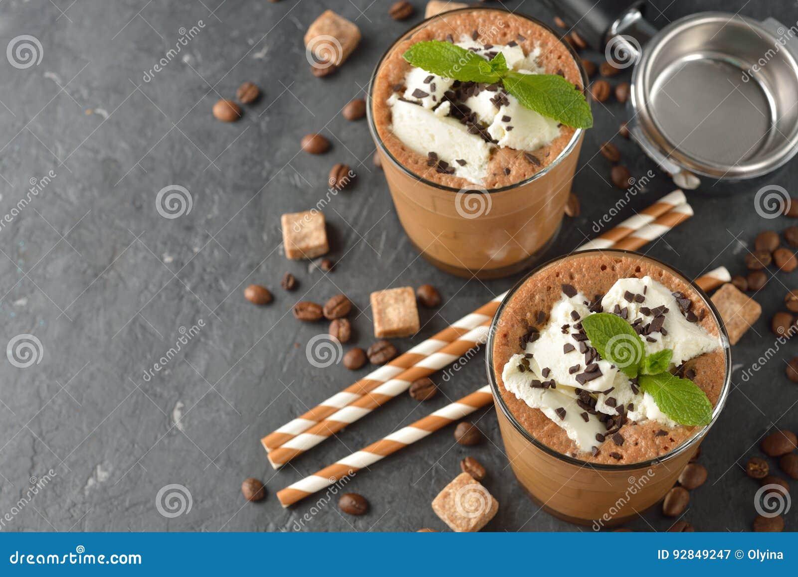 Milkshake met koffie en roomijs