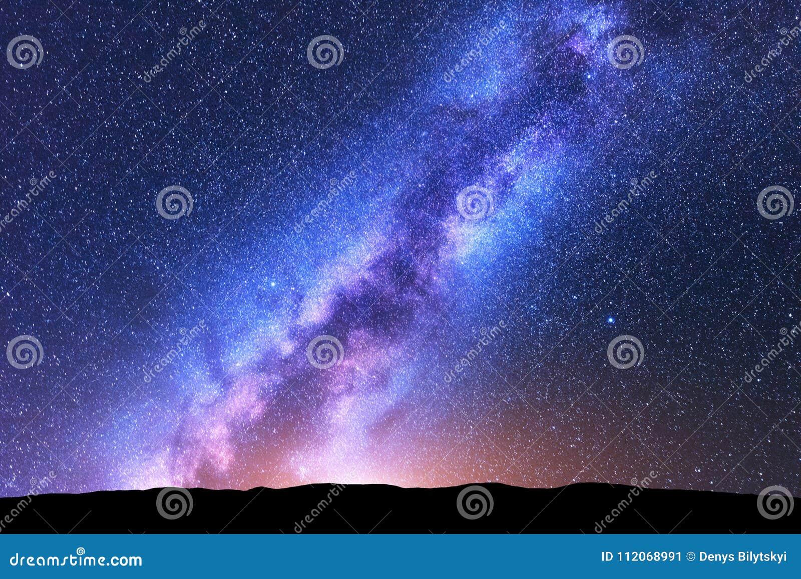 Milky sposobu mrówki gwiazdy przestrzeń sceniczna krajobrazowa noc