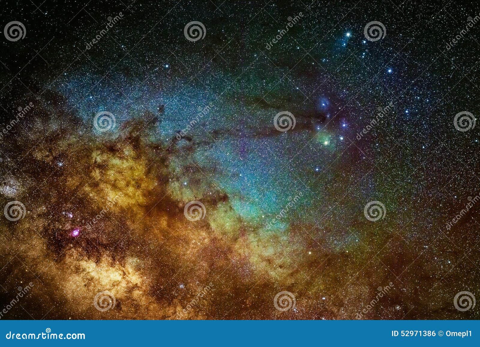 Milkywaymelkweg dichtbij het Scorpius-gebied
