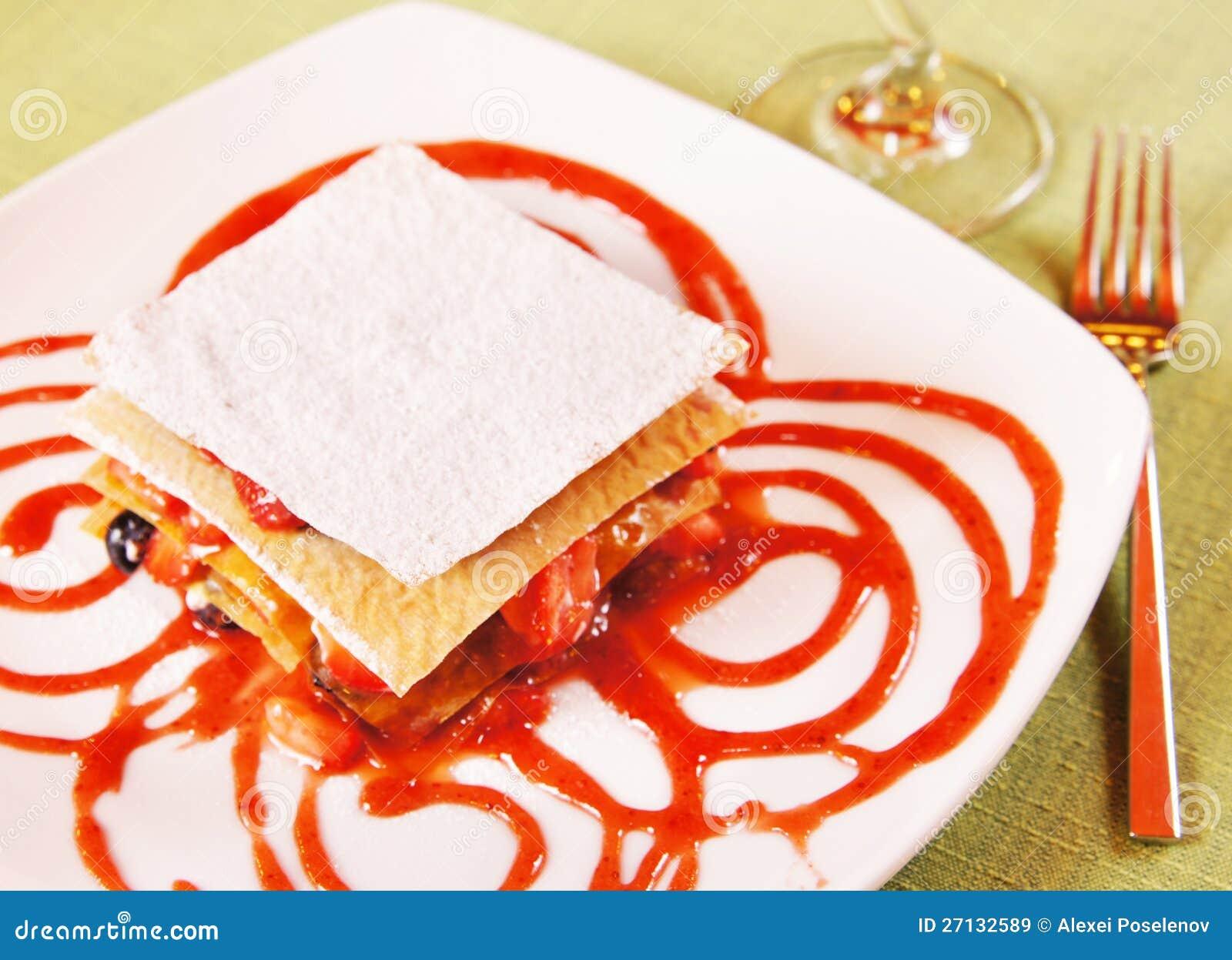 Millefeuille - Gelaagd dessert met verse bessen