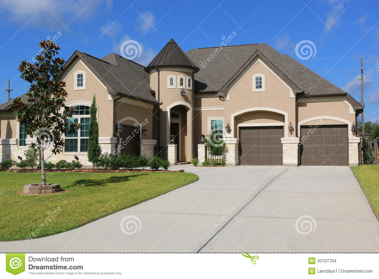 Million dollar homes stock photo image 43707704 for Very beautiful house