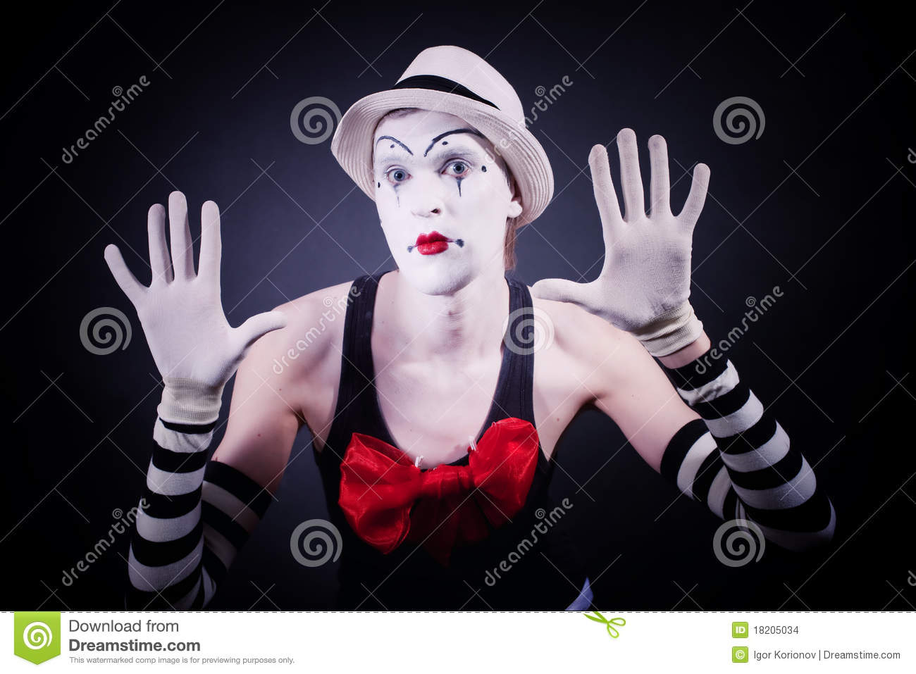 Mime with red bow