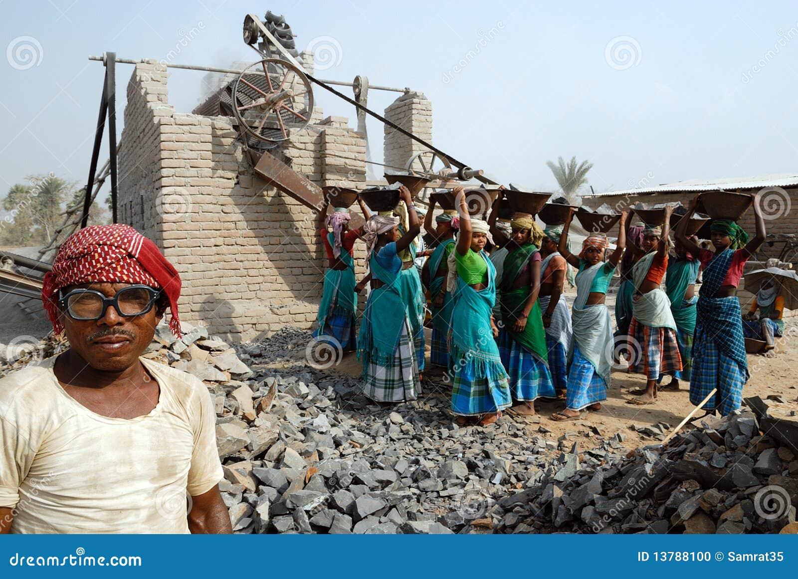 Mina do triturador em India
