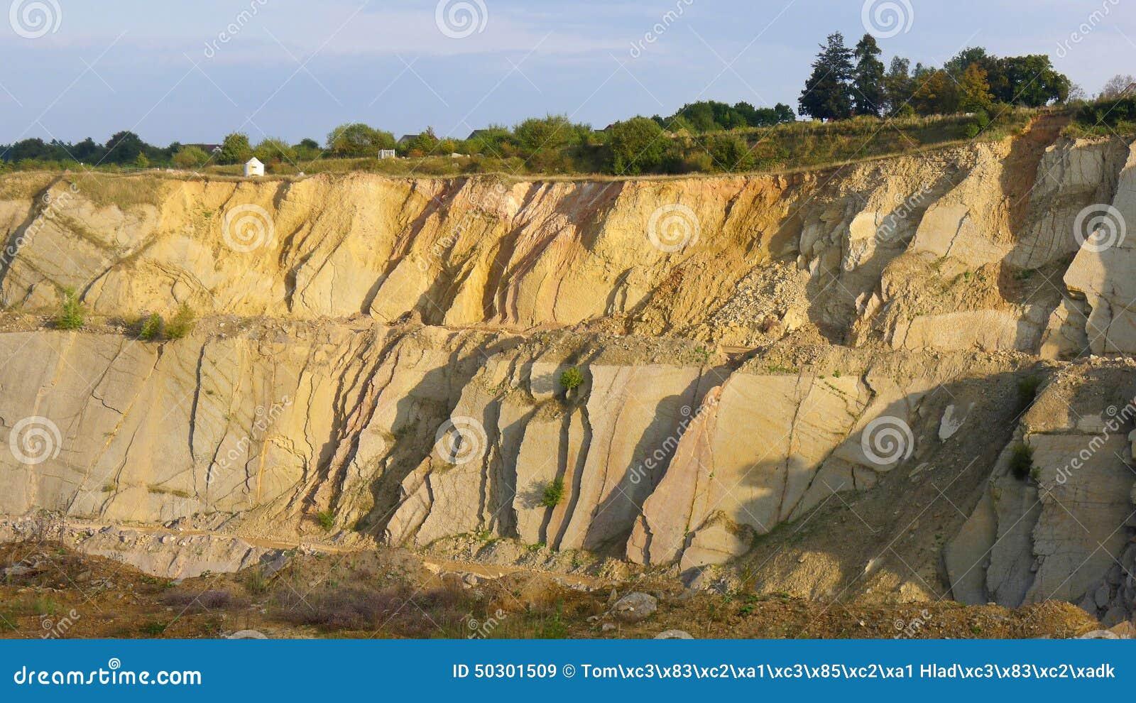 Mina superficial de la piedra caliza