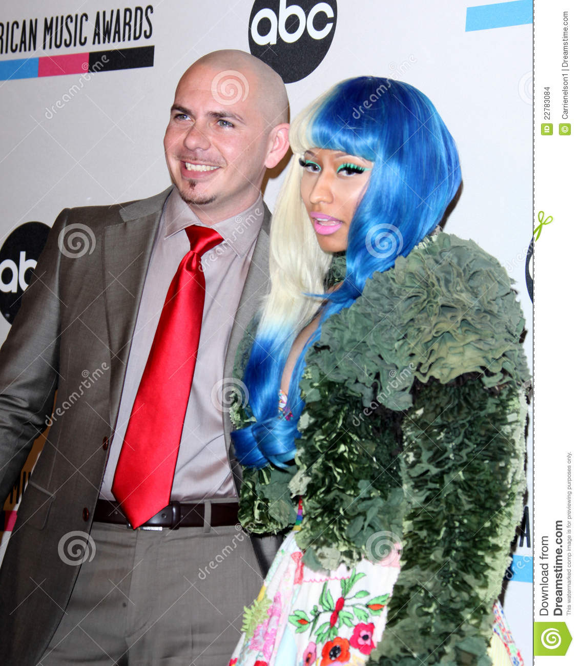 Minaj nicki pitbull