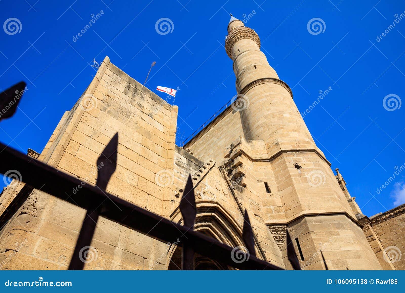 Minaret van Selimiye-Moskeekathedraal van Heilige Sophia in Noord-Nicosia, Cyprus