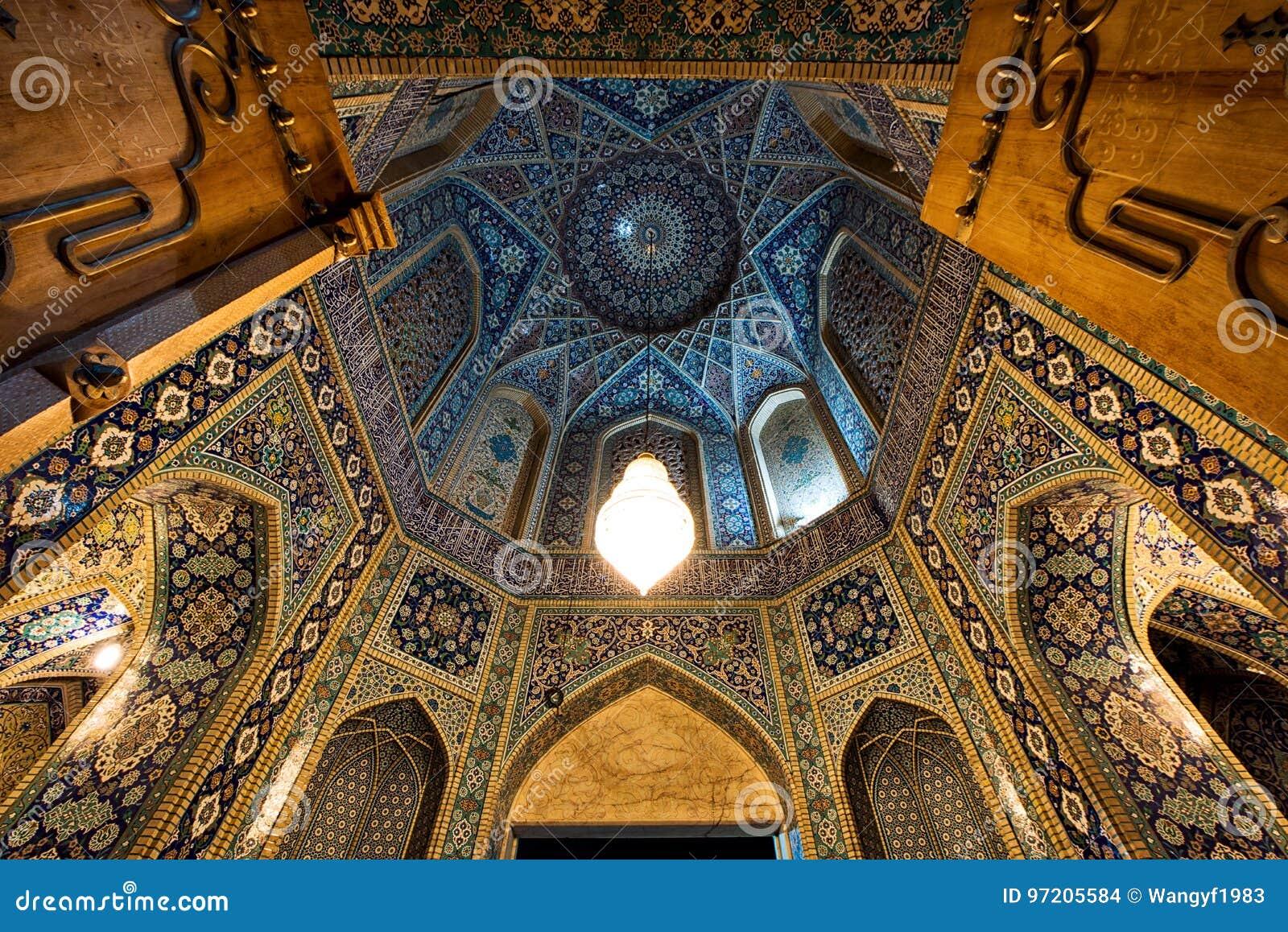 Download comp Minarets of Qom in Iran