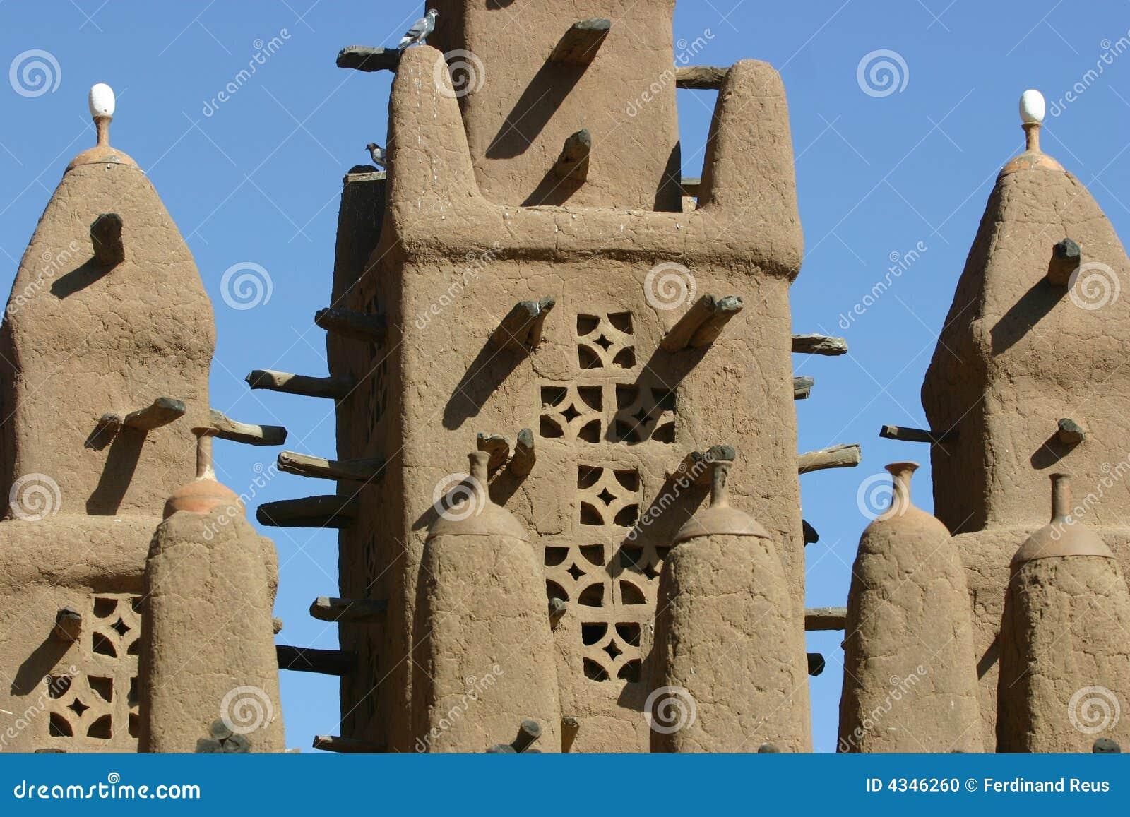 Minarett eines mosk gebildet vom Schlamm in Mali