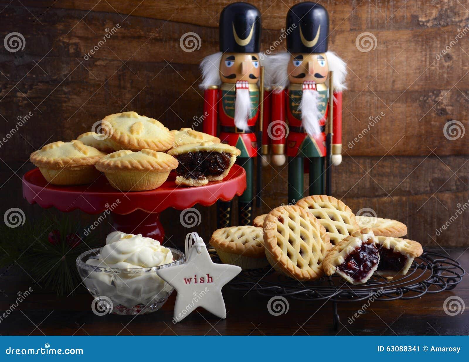 Download Minces Pies Traditionnelles De Fruit De Noël Image stock - Image du réception, foncé: 63088341
