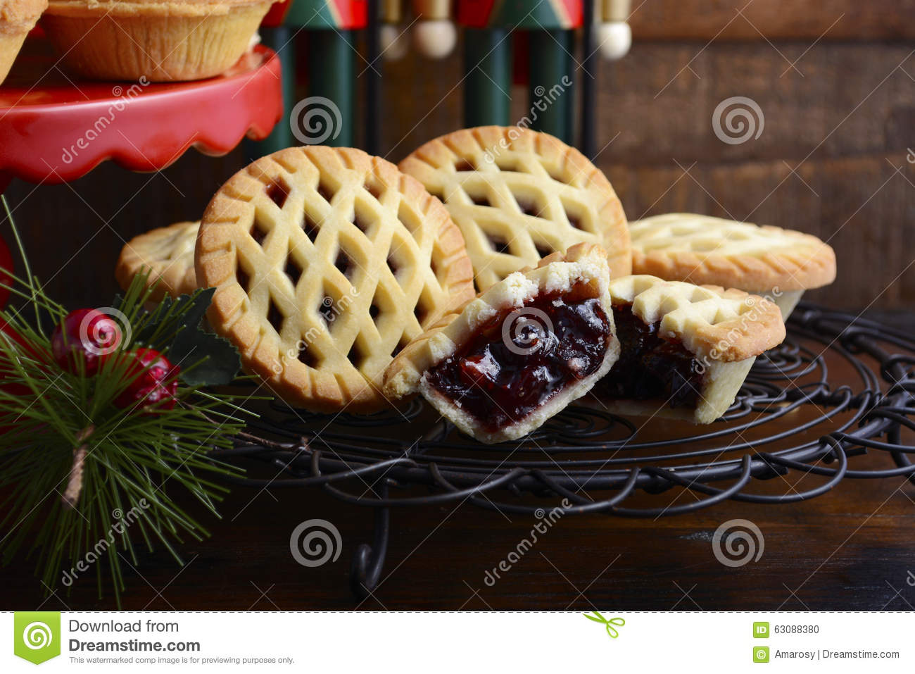 Download Minces Pies Traditionnelles De Fruit De Noël Photo stock - Image du ombre, saisonnier: 63088380