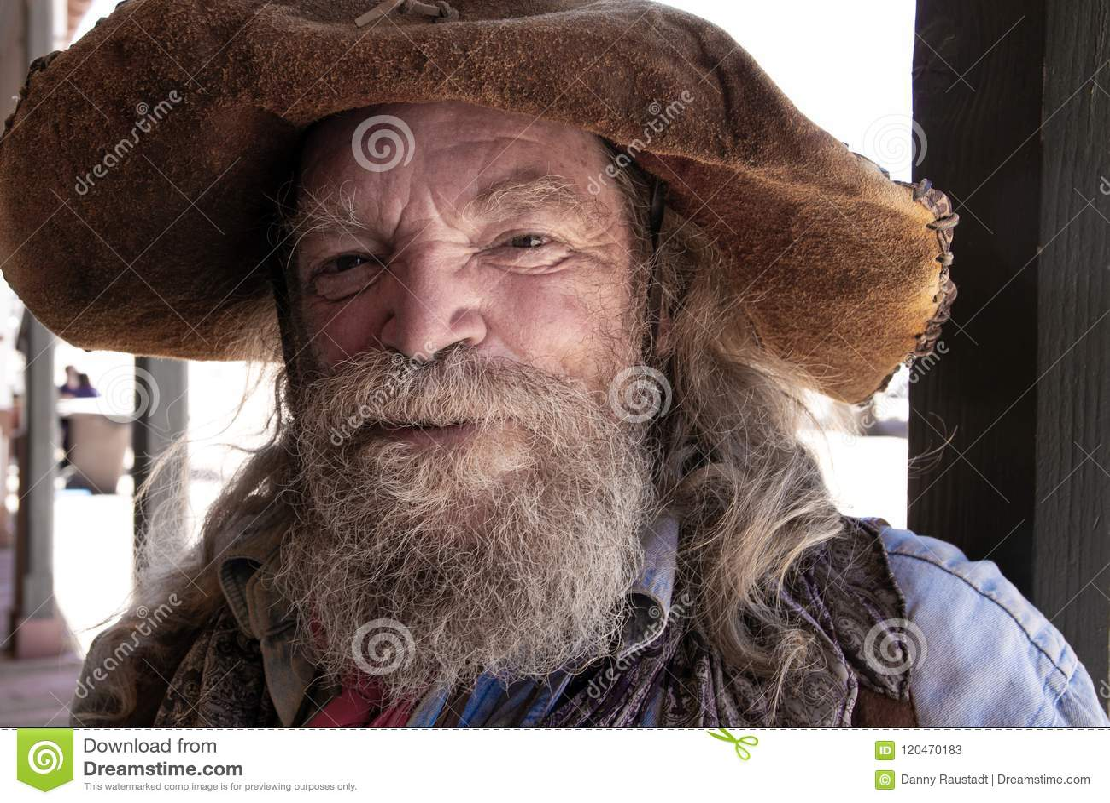 Mineiro ocidental selvagem idoso Character do vaqueiro