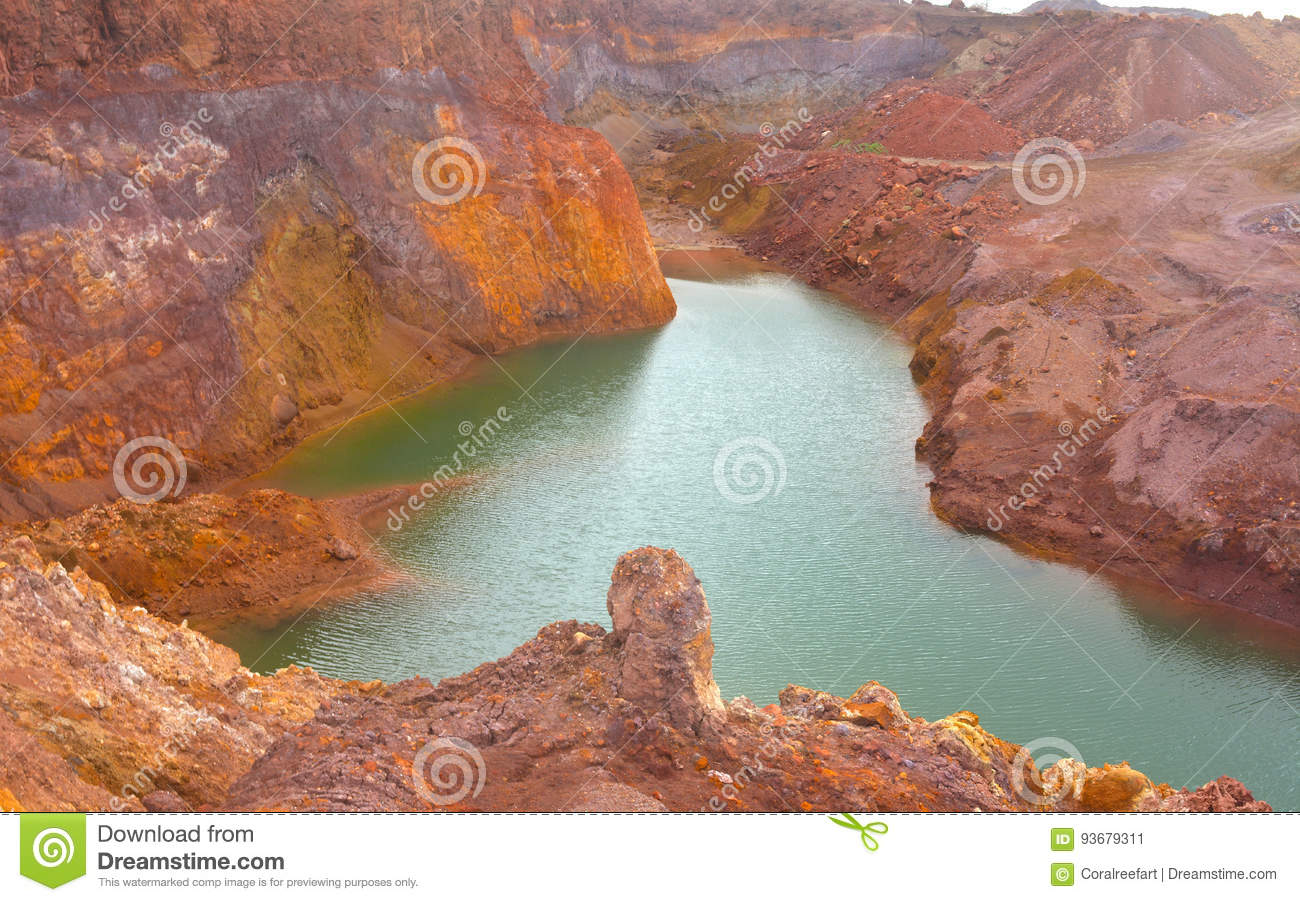 Mineral mine open pit