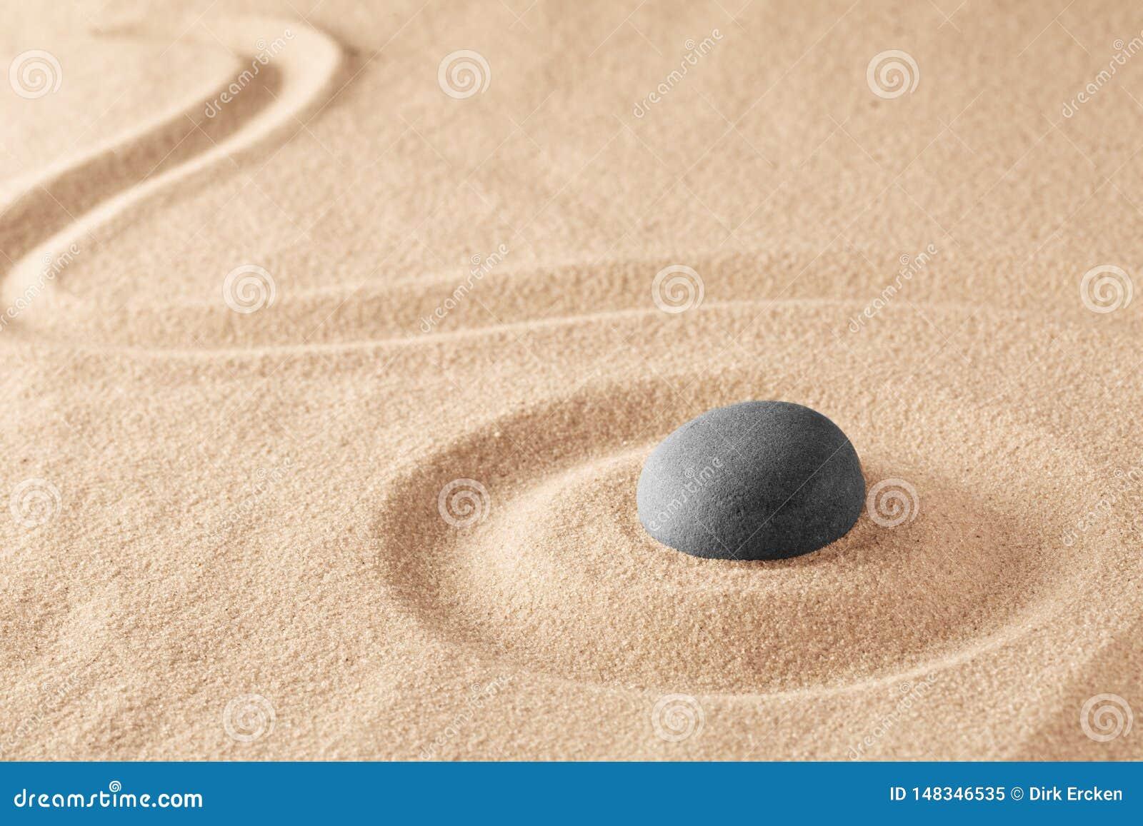 Mineralsteintherapie f?r einen ruhigen Seelenfriedenn durch Zenmeditation
