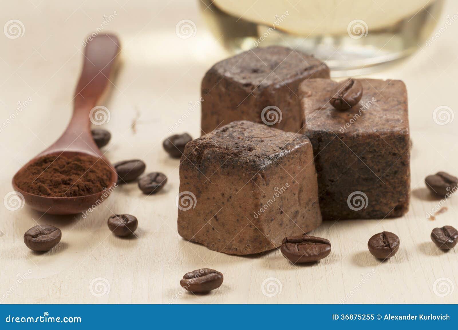 Download Minestra fatta a mano immagine stock. Immagine di minestra - 36875255