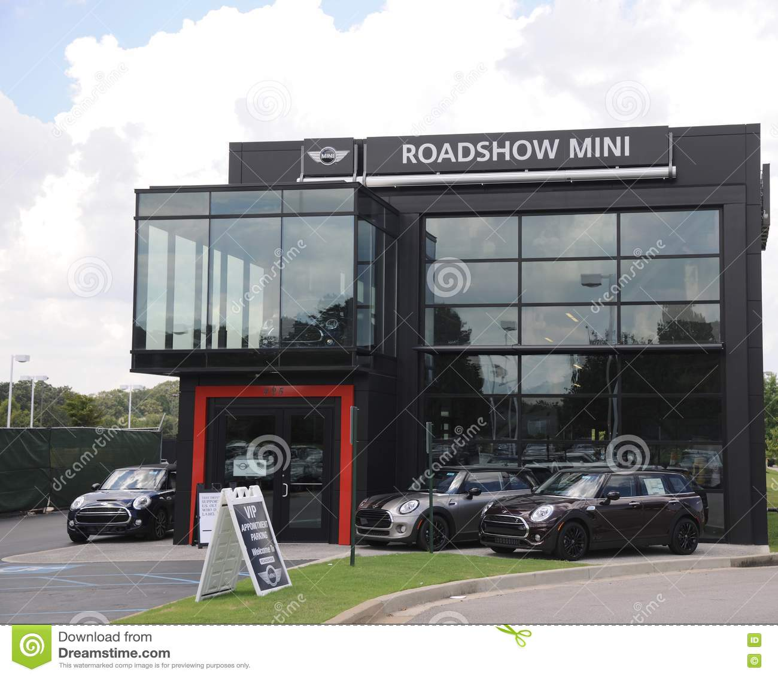 Mini And BMW Car Dealership Sign. Editorial Image