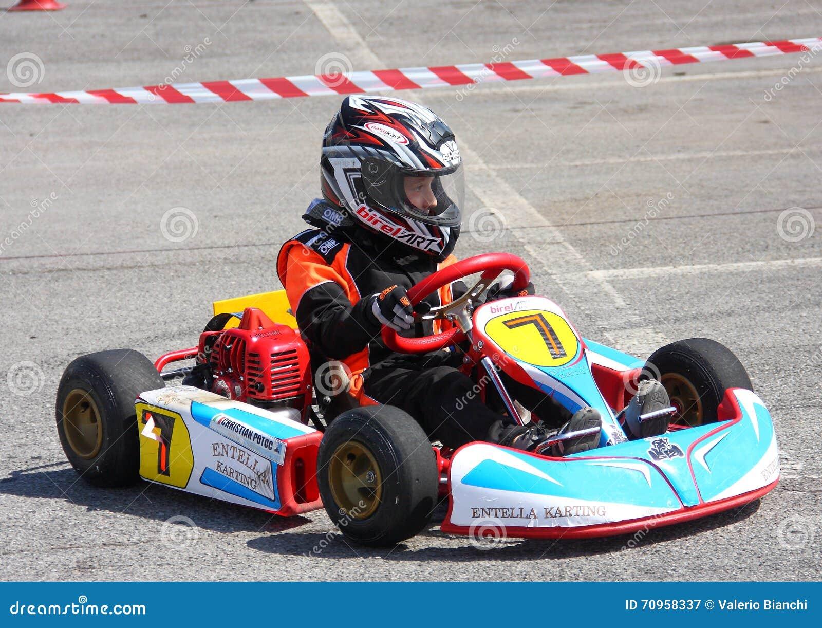 Mini Kart Racing editorial photography. Image of racing - 70958337