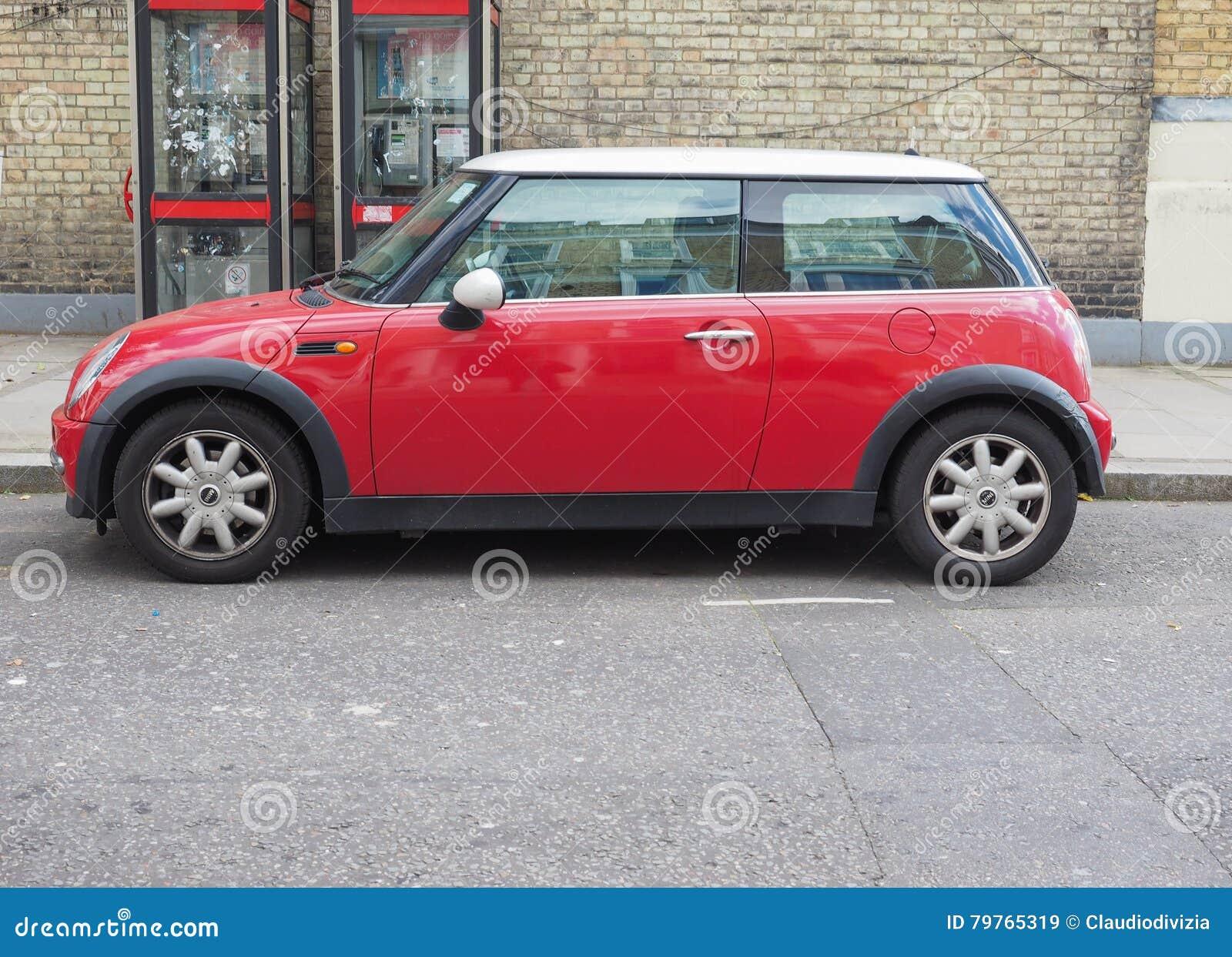 Mini Minor Rouge à Londres Image Stock éditorial Image Du Grand