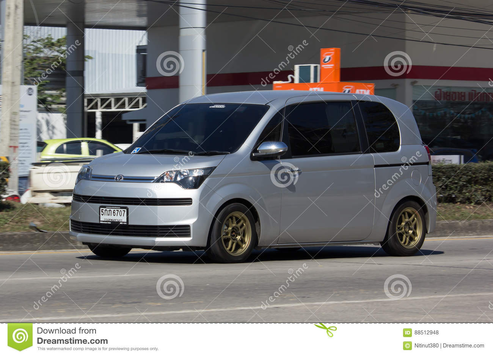 Kelebihan Toyota Mini Perbandingan Harga