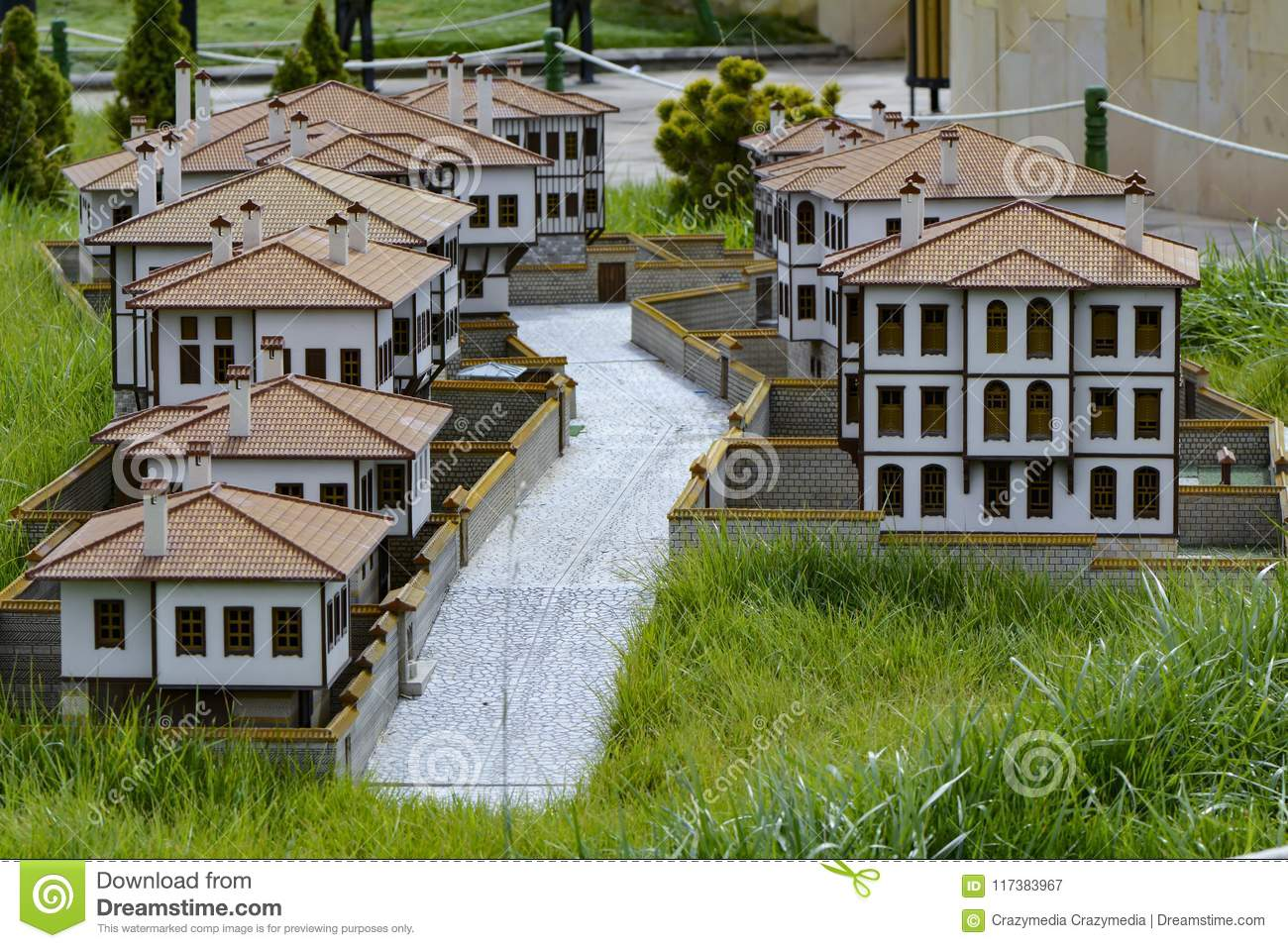 miniature house models and varieties of local houses