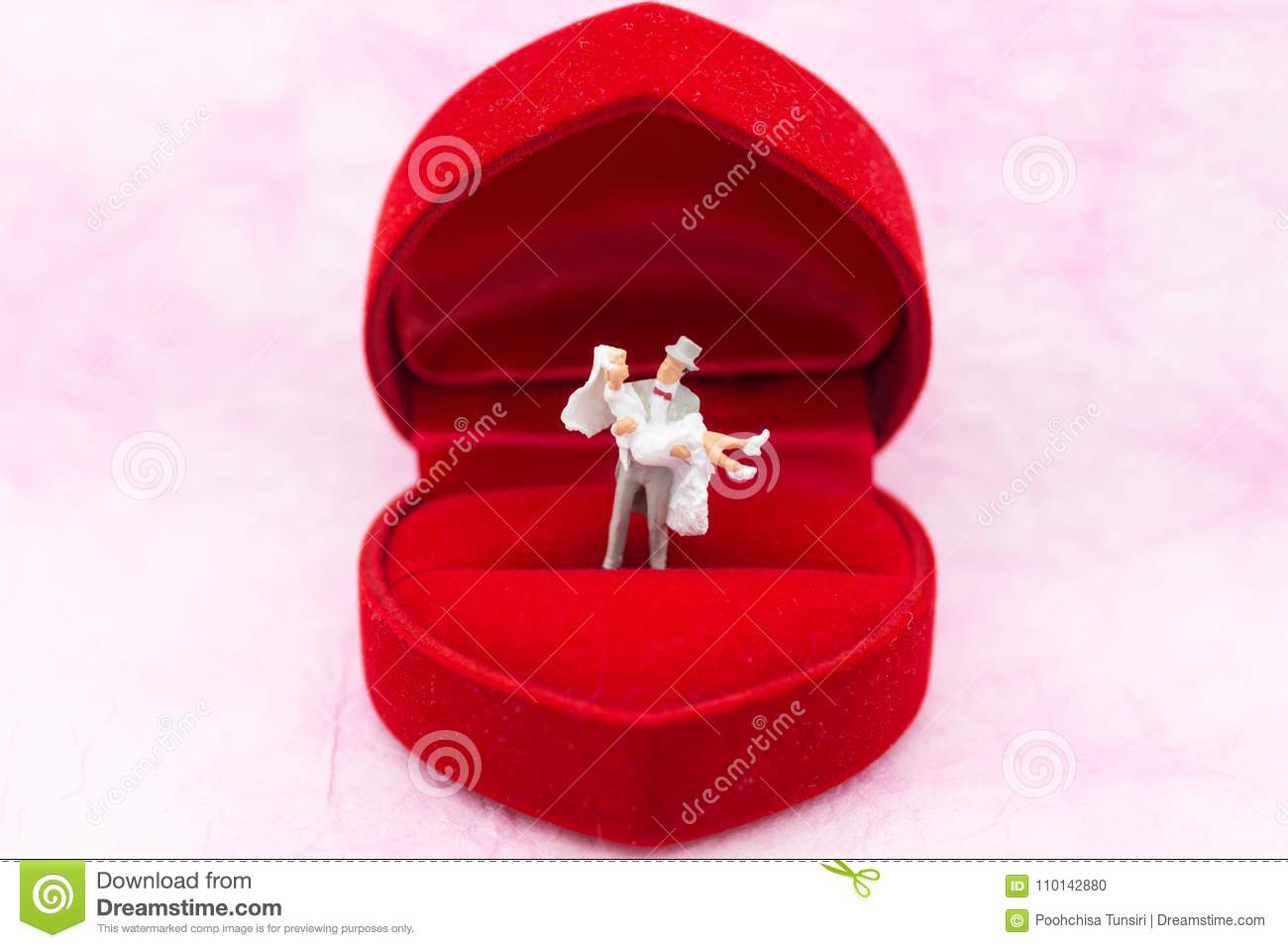 Miniature People: The Groom Carries The Bride On Wedding Ring Box ...