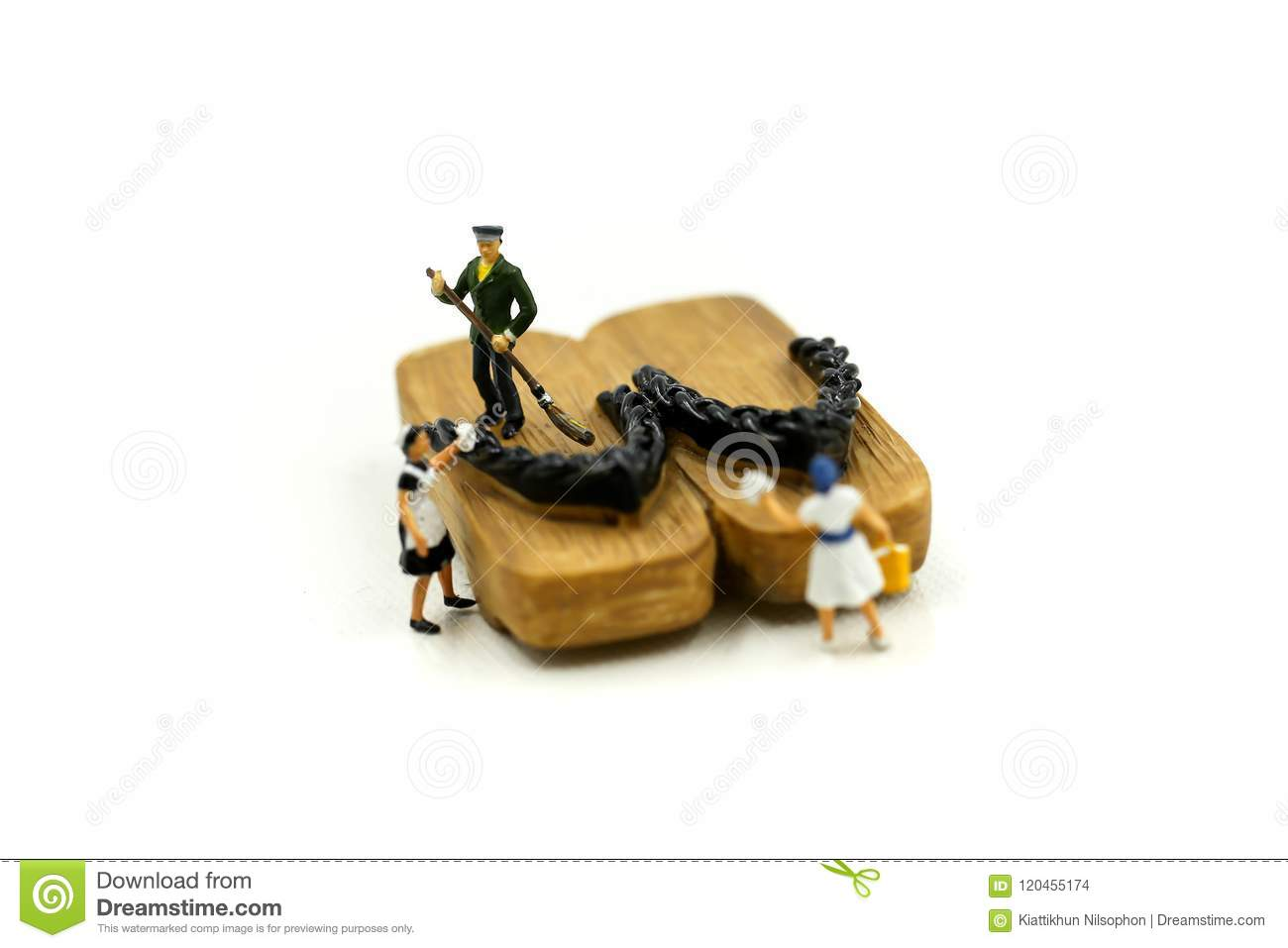 Miniature people : worker,maid cleaning Japanese wooden shoes g