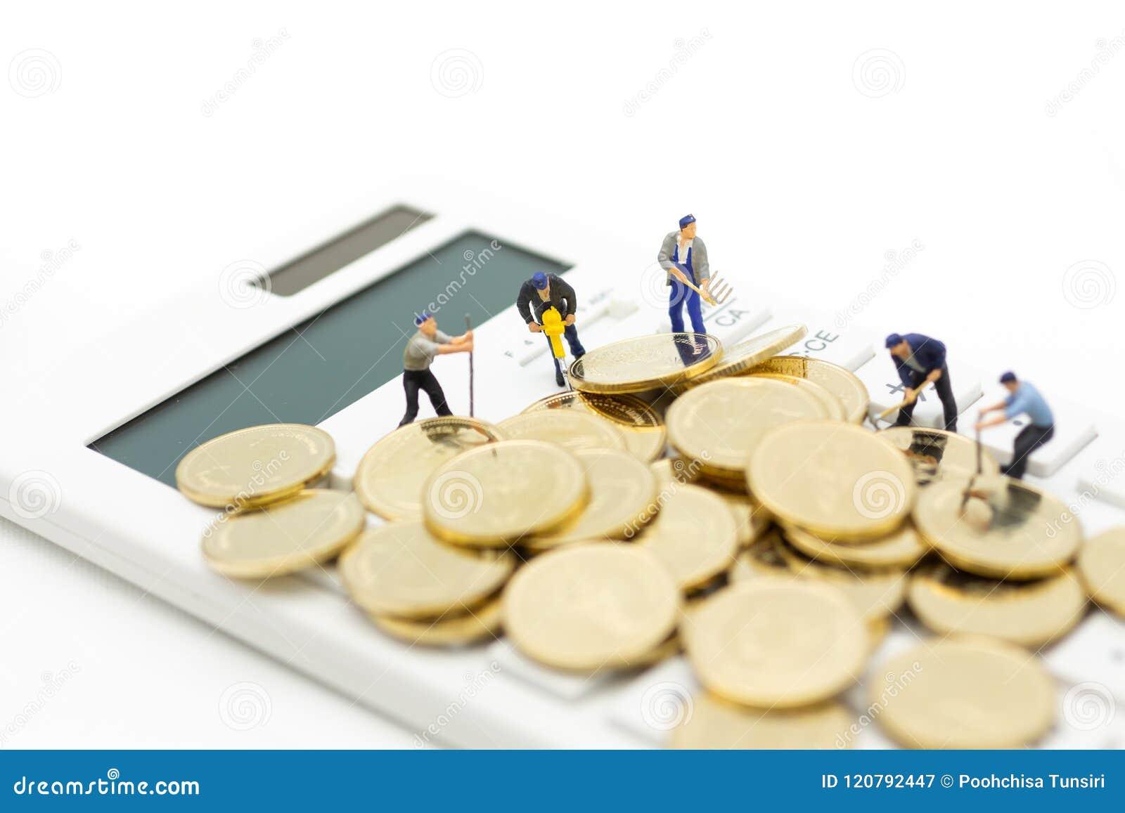 Miniaturowa postać: Kalkulator dla kalkulatorskiego pieniądze, podatek miesięczny, coroczny,/ Wizerunku use dla finanse, biznesow