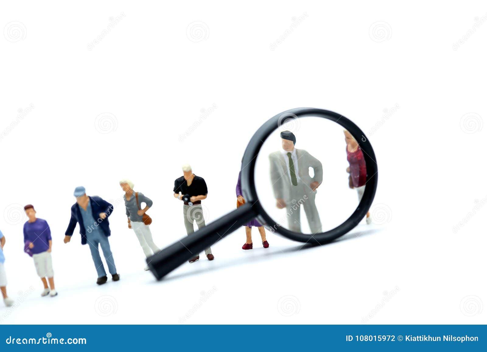 Miniaturowi ludzie: biznes szukał pracowników dla akcydensowych placemen
