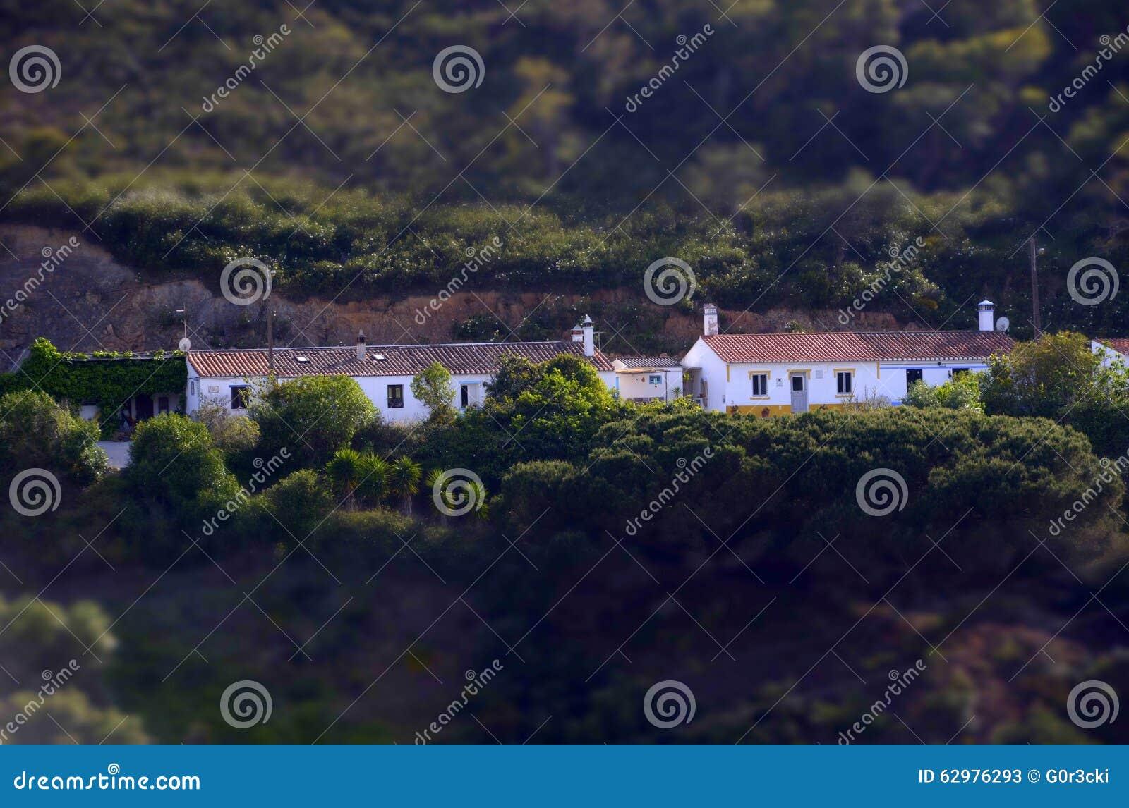 Miniatuureffect - Typische Mediterrane Huizen, Algarve Dorp