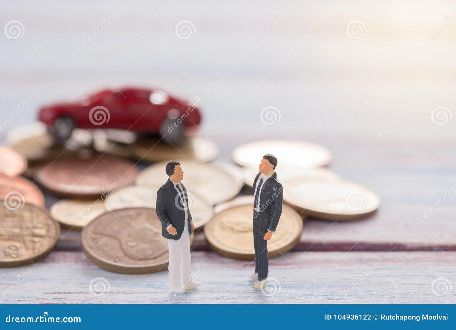 Miniatyrfolk: Affärsmannen figurerar anseende på golvintelligensen