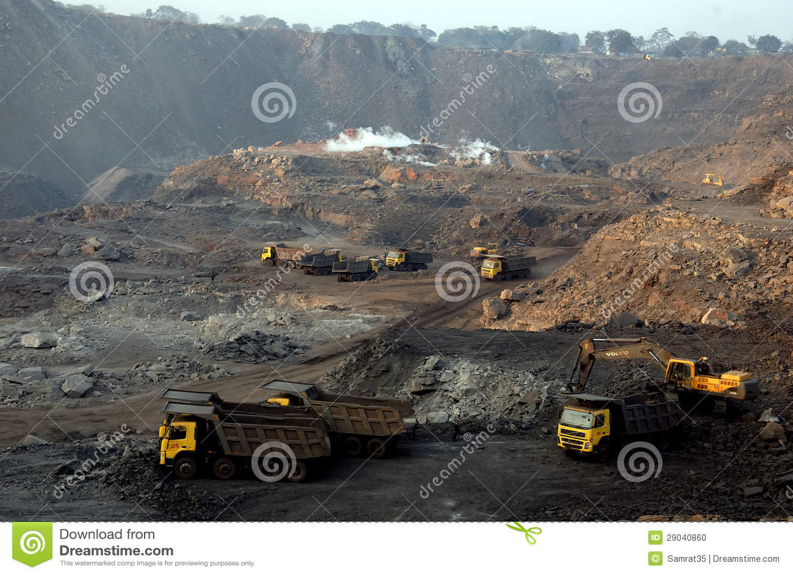 Miniere di carbone a cielo aperto indiane