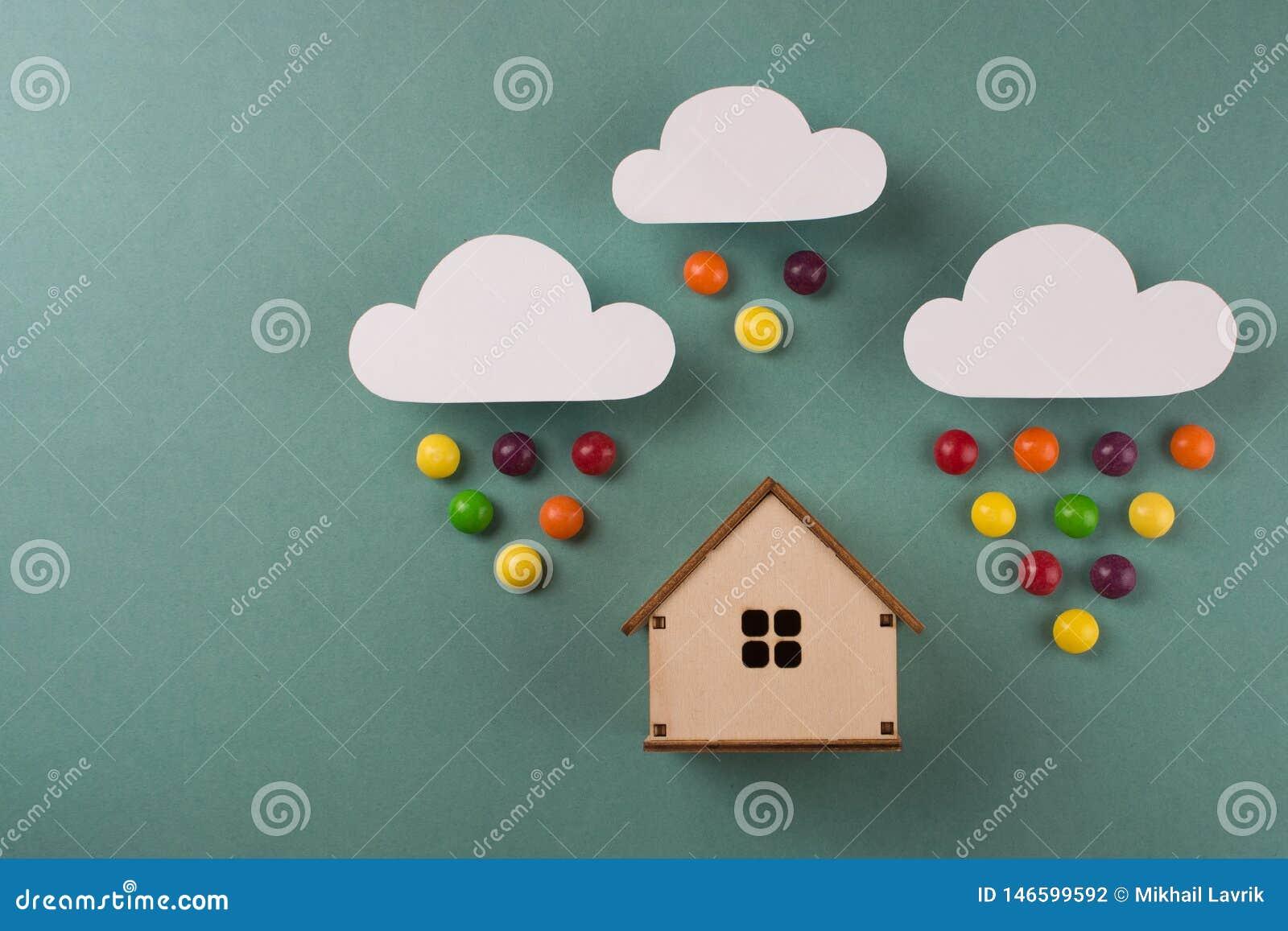 Minimaal ontwerp met miniatuur houten stuk speelgoed huis