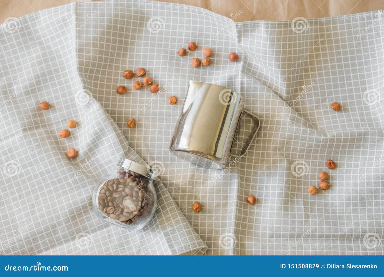 Minimalismo en fotografía de la comida en un tema del café