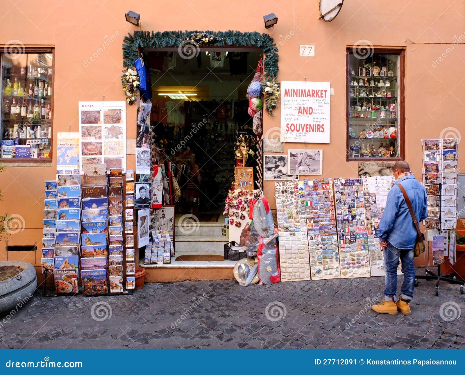 Minimarket en herinneringen in Rome