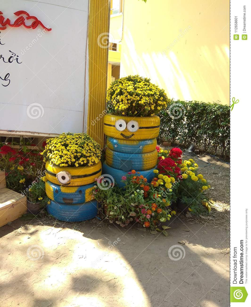 Minions Flower Pot - DIY Minion Planting Pot - Minions Recycle Project For Creative Kid