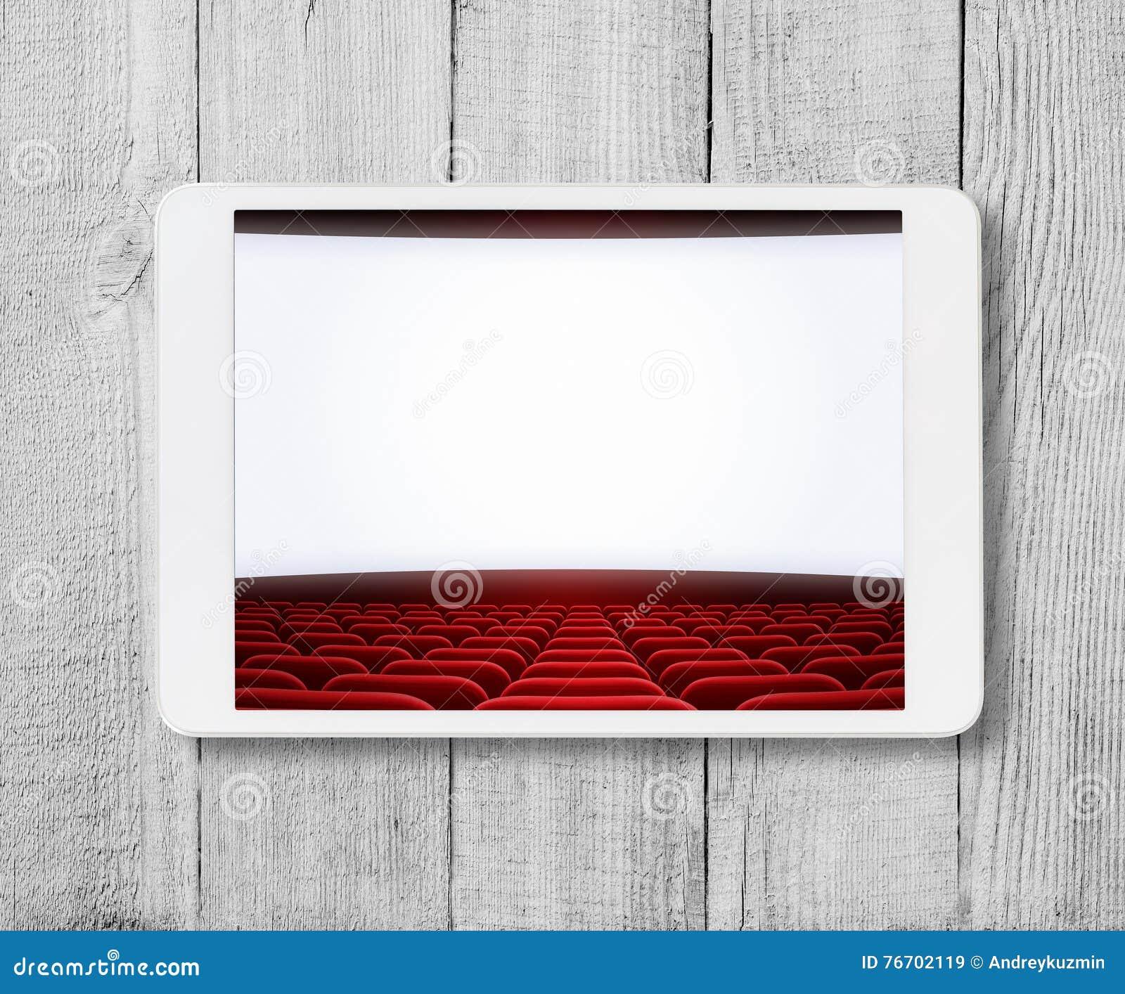 MinnestavlaPC på trätabellen med den visade bioskärmen